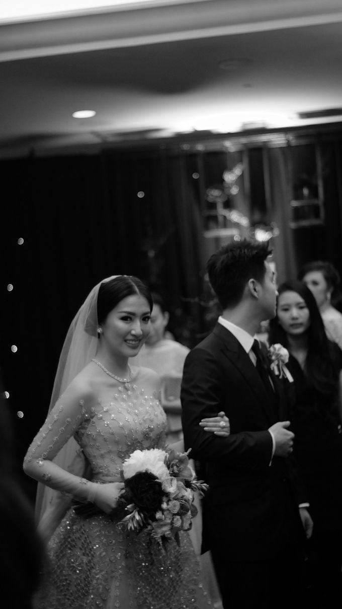 The Holy Matrimony of Silvia Siantar & Adiguna Prakoso by Smara Photo - 012
