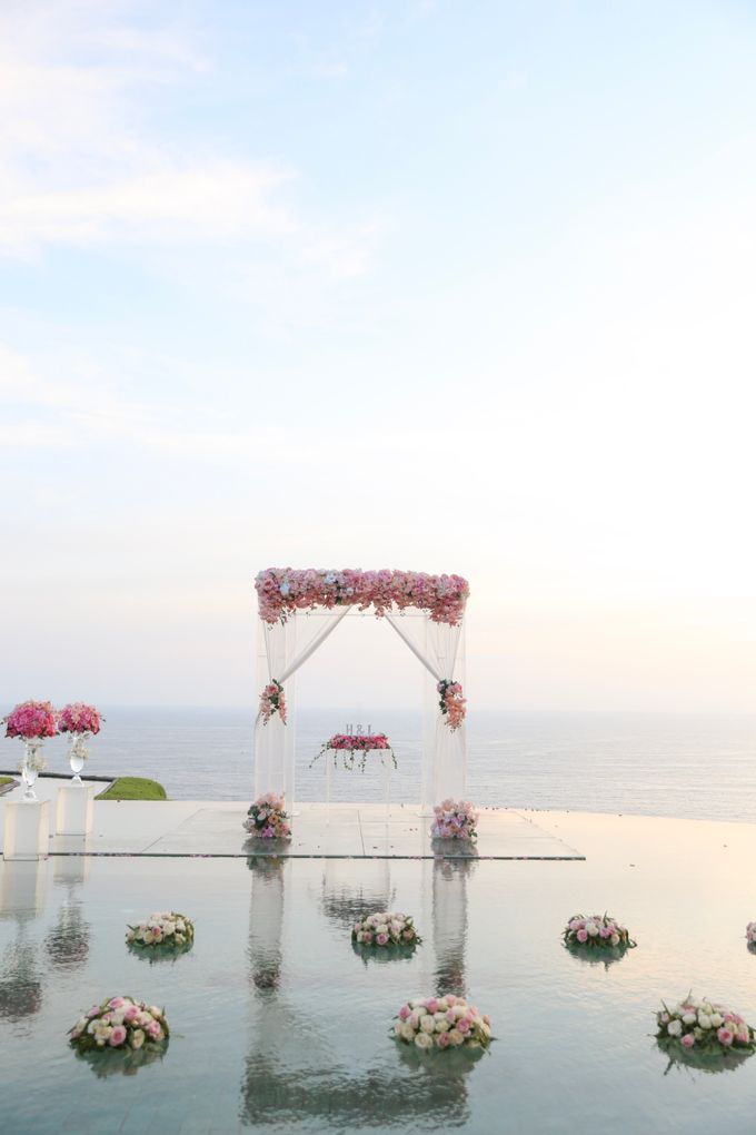 Mesmerizing Cave Wedding at Ocean Bali by Silverdust Decoration - 017