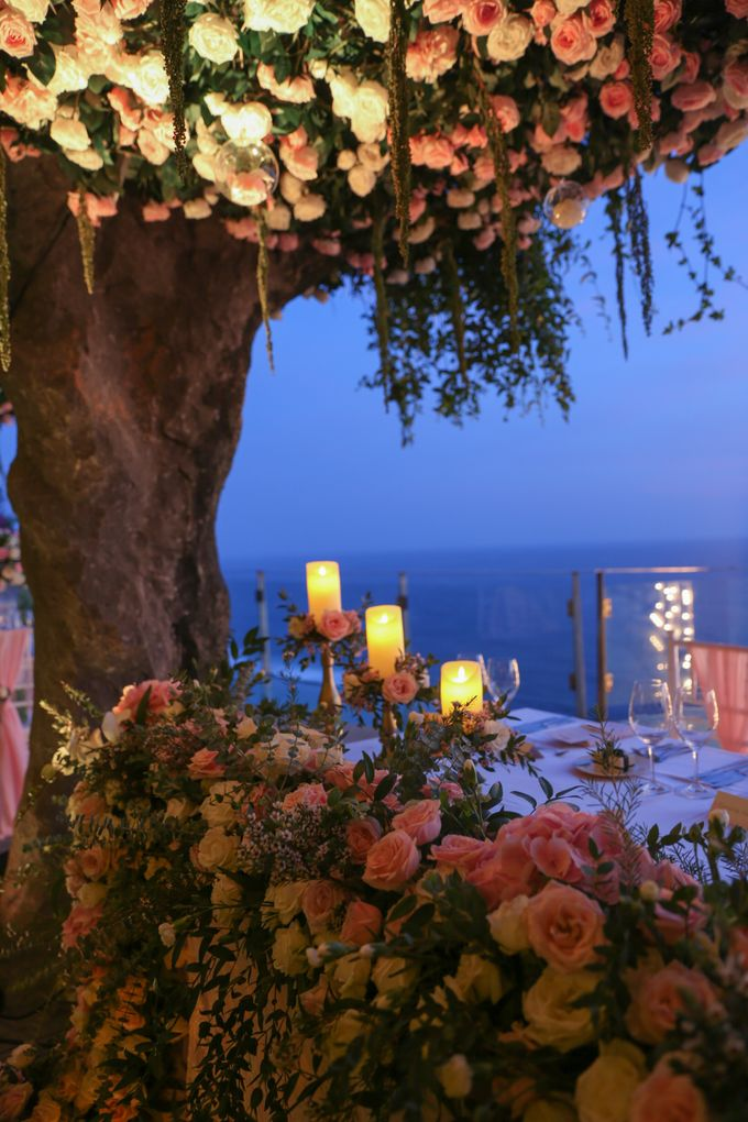 Mesmerizing Cave Wedding at Ocean Bali by Silverdust Decoration - 029