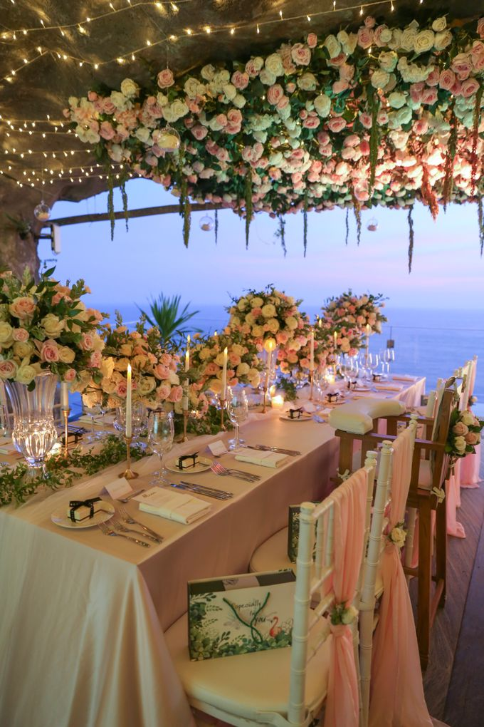 Mesmerizing Cave Wedding at Ocean Bali by Silverdust Decoration - 030
