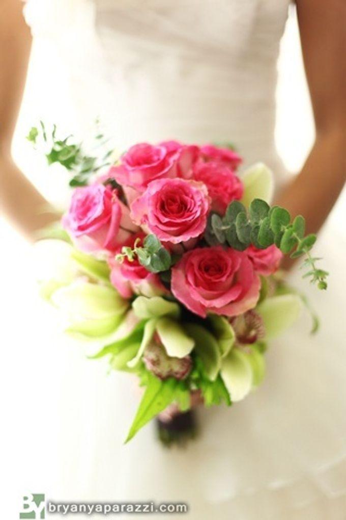 Bridal Bouquets by Natural Art Flowers and Decors - 008