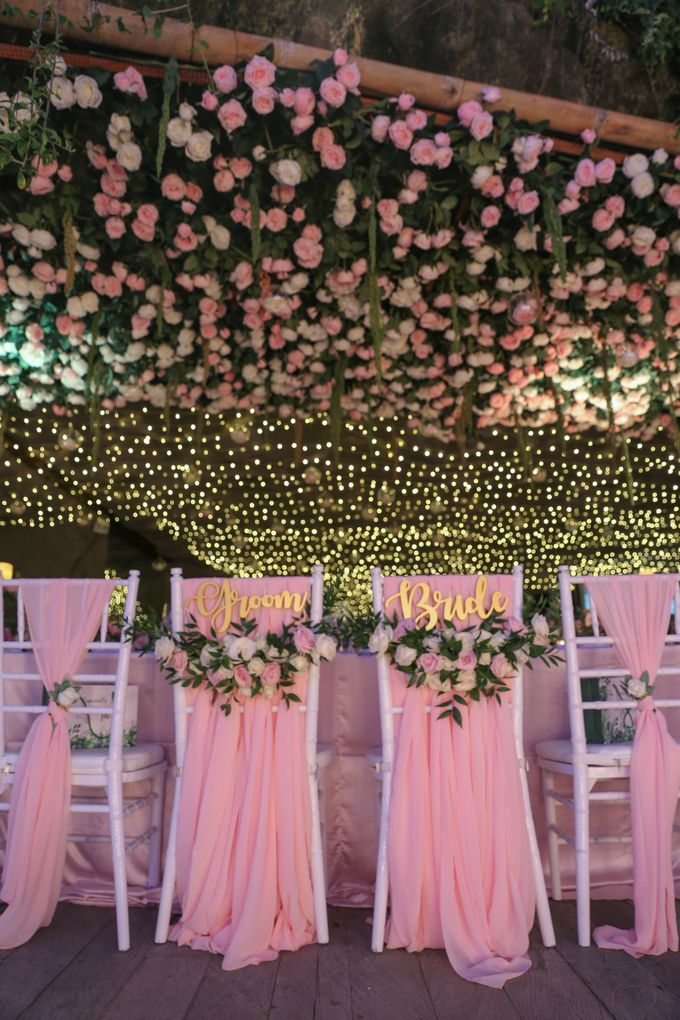 Mesmerizing Cave Wedding at Ocean Bali by Silverdust Decoration - 035