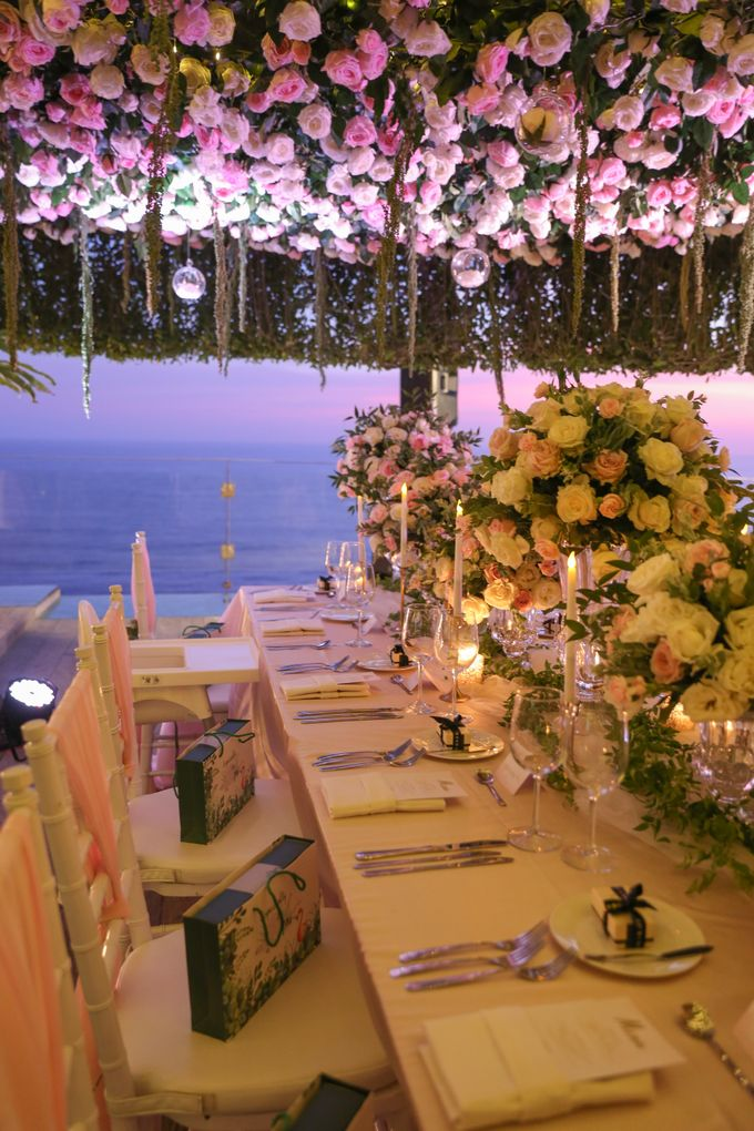 Mesmerizing Cave Wedding at Ocean Bali by Silverdust Decoration - 038