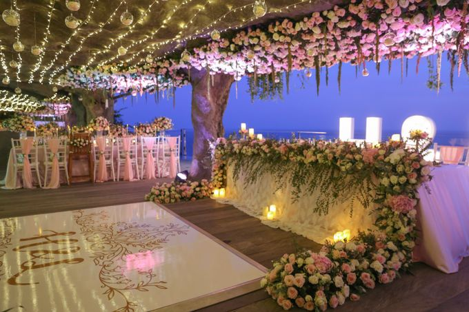 Mesmerizing Cave Wedding at Ocean Bali by Silverdust Decoration - 001