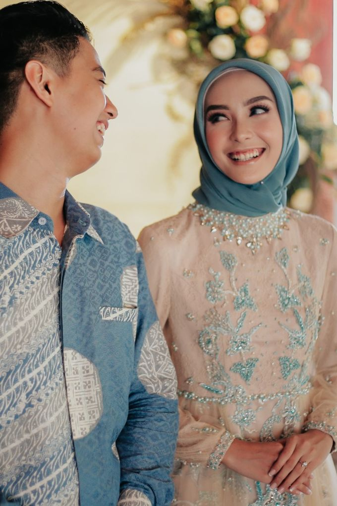 The Engagement of Melly & Wisnu by alienco photography - 009