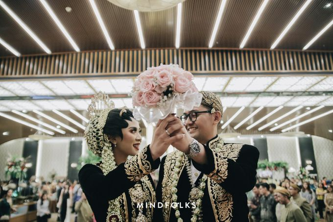 Compilation of Hand-Bouquet Toss Event by  Menara Mandiri by IKK Wedding (ex. Plaza Bapindo) - 005