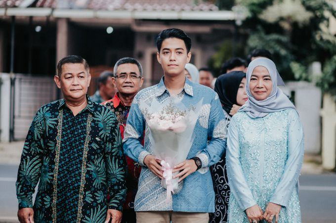 The Engagement of Melly & Wisnu by alienco photography - 013