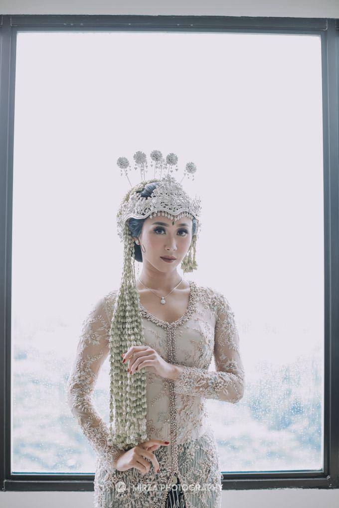 Saga & Manda Wedding at Hotel Santika Bintaro by Mirza Photography - 008