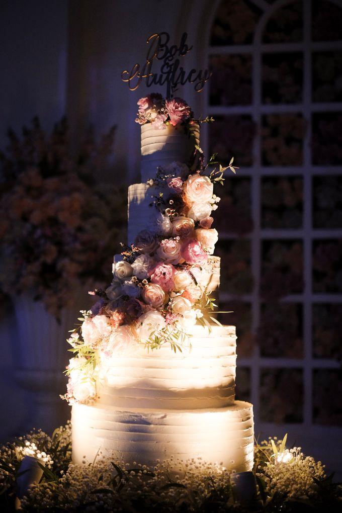 Bob & Audrey Wedding Cake by PYARA - 002