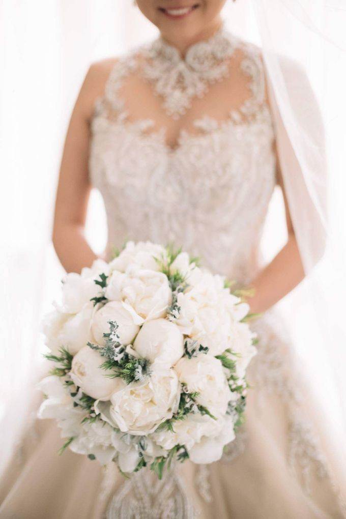 Bridal Bouquets by Natural Art Flowers and Decors - 014