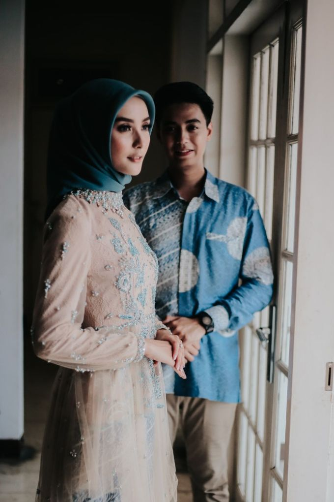 The Engagement of Melly & Wisnu by alienco photography - 023