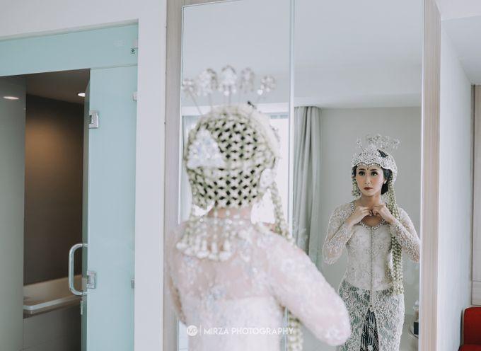 Saga & Manda Wedding at Hotel Santika Bintaro by Mirza Photography - 009