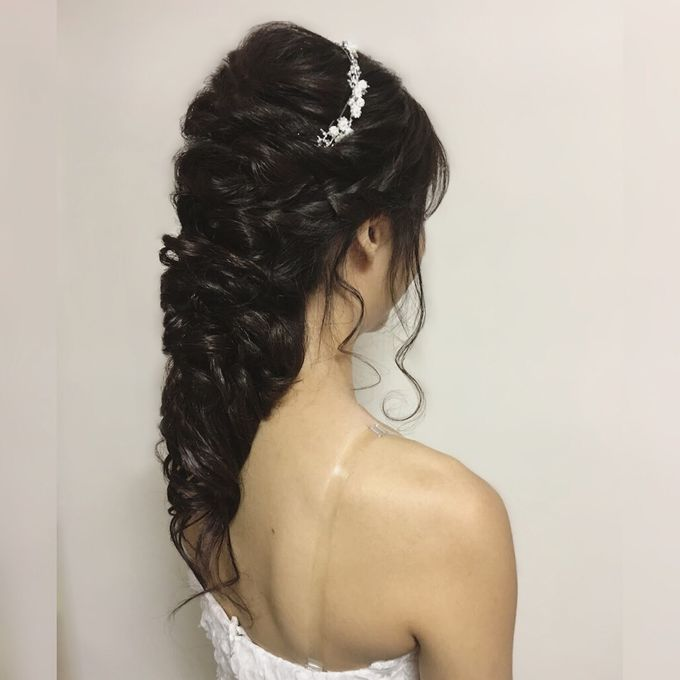 Romantic Floral Rustic Half up Half Down Hairstyles by Sylvia Koh Makeup and Hairstyling - 018