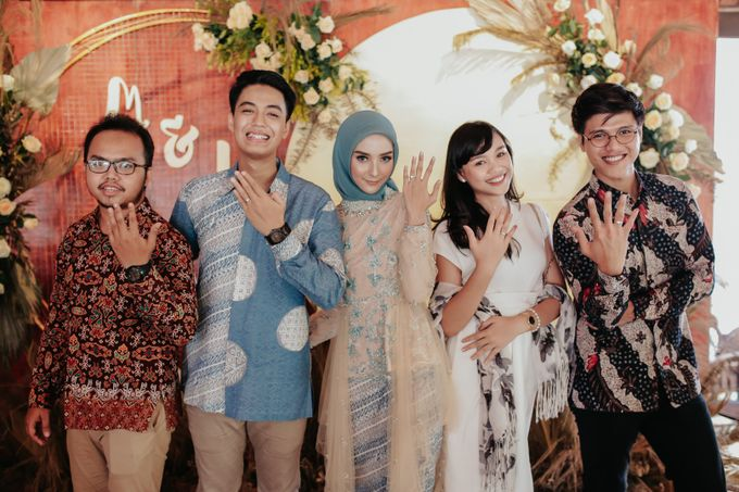 The Engagement of Melly & Wisnu by alienco photography - 024