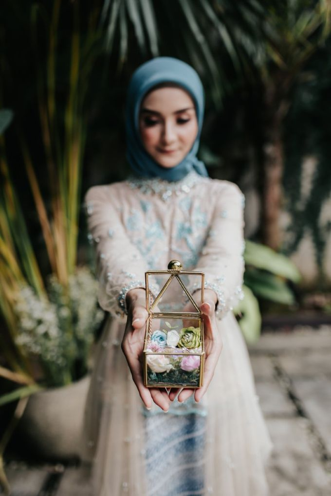 The Engagement of Melly & Wisnu by alienco photography - 027