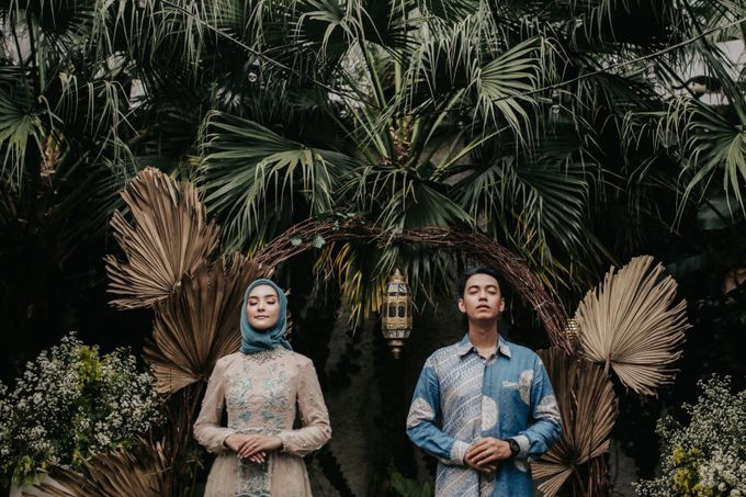 The Engagement of Melly & Wisnu by alienco photography - 029