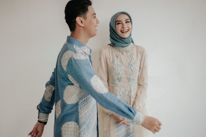 The Engagement of Melly & Wisnu by alienco photography - 030