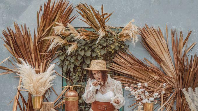 Photoshoot Decoration CLBK Coffee by Veéh Floral Atelier - 006