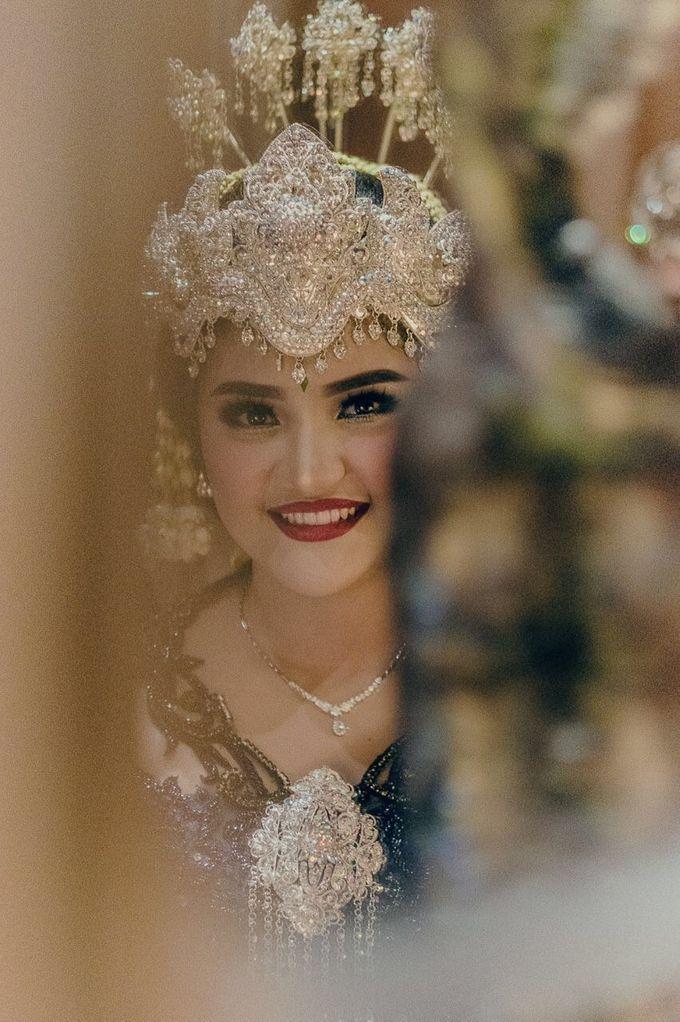 Mirna & Pras Wedding by Akuwedding - 024