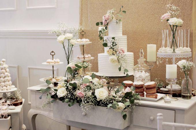 Romantic Dessert Table by Gordon Blue Cake - 001