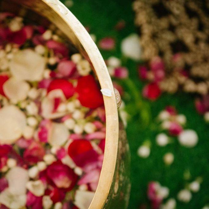 Mirna & Pras Wedding by Akuwedding - 016