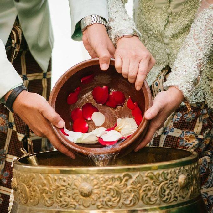 Mirna & Pras Wedding by Akuwedding - 014