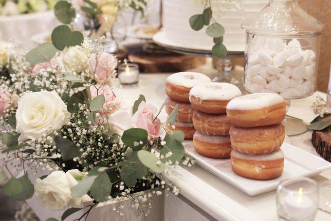 Romantic Dessert Table by Gordon Blue Cake - 002