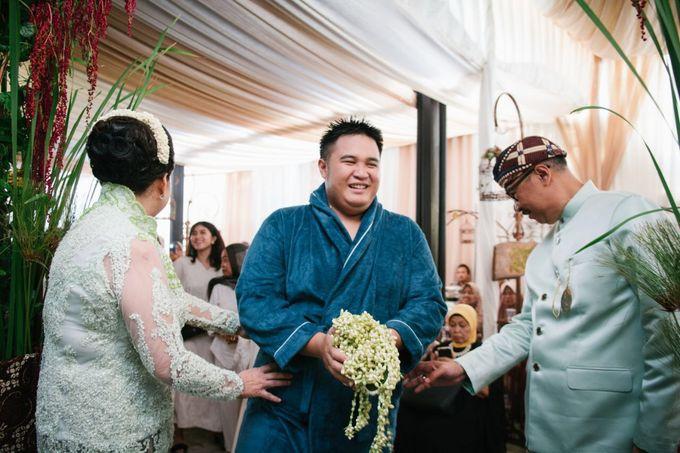 Mirna & Pras Wedding by Akuwedding - 009
