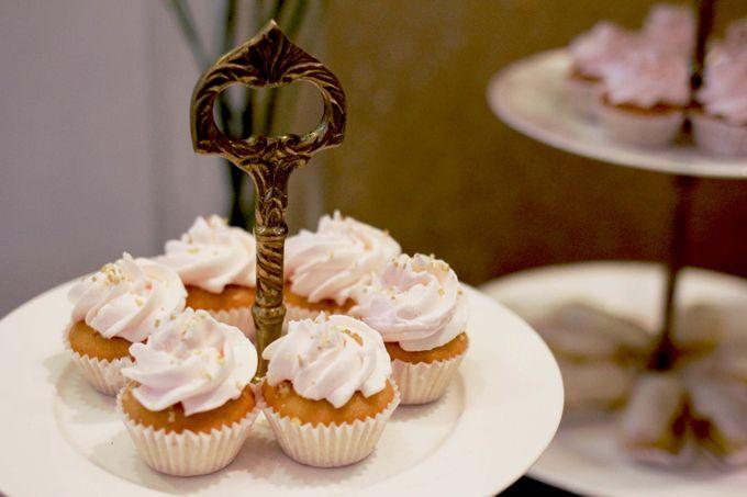 Romantic Dessert Table by Gordon Blue Cake - 005
