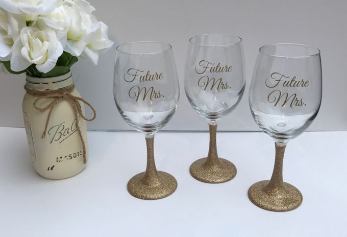 Custom Bridal Party Champagne Flutes by Lola Designs USA - 004
