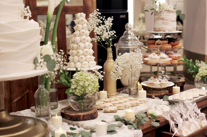 Rustic Dessert Table by Gordon Blue Cake - 005