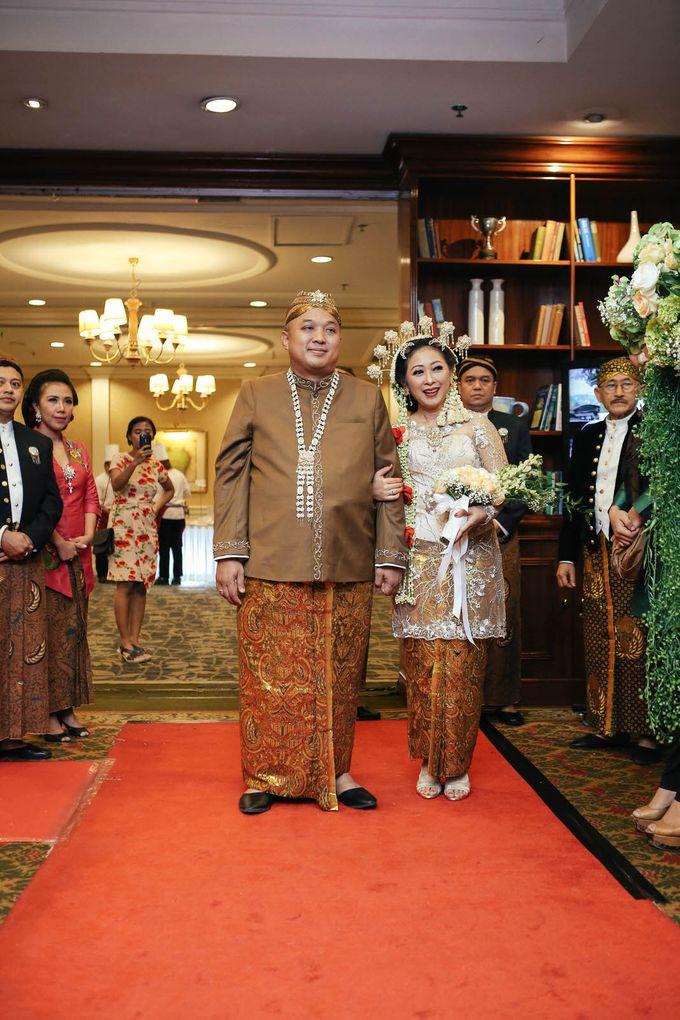 Traditional Wedding of Ami & Adi by MERCANTILE PENTHOUSE WEDDING - 012