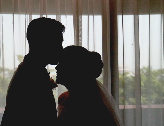 Sunlake Hotel - Yustomo & Errita Wedding by Impressions Wedding Organizer - 002