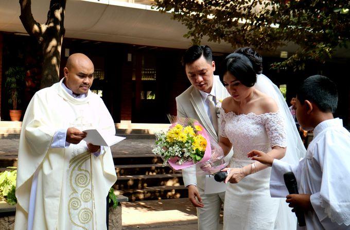Sunlake Hotel - Yustomo & Errita Wedding by Impressions Wedding Organizer - 006