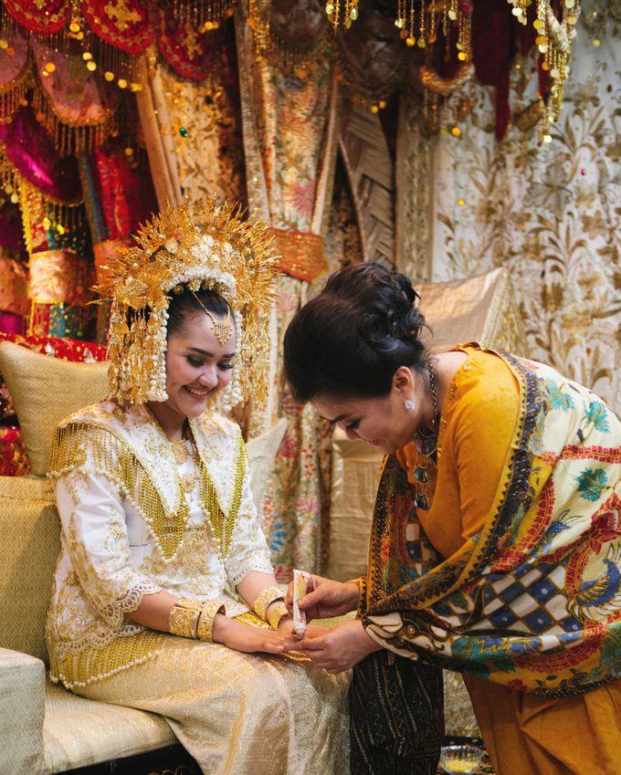 Mirna & Pras Wedding by Akuwedding - 003