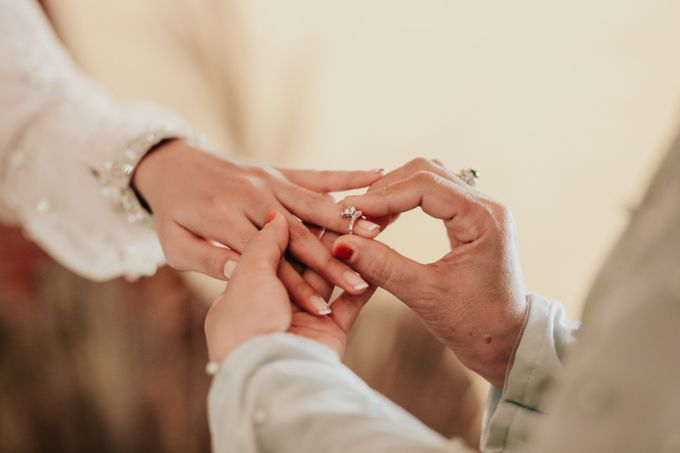 The Engagement of Melly & Wisnu by alienco photography - 036
