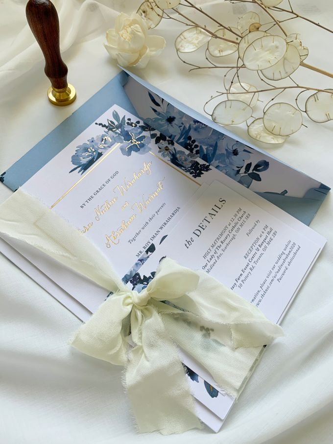 Sky Blue Flowers by Trouvaille Invitation - 001