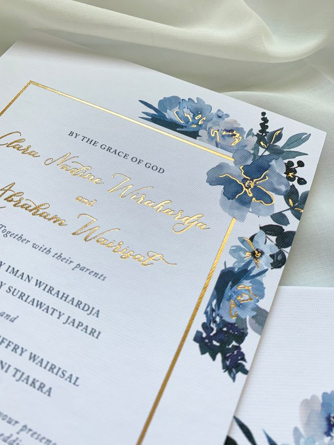 Sky Blue Flowers by Trouvaille Invitation - 004