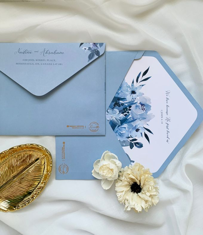 Sky Blue Flowers by Trouvaille Invitation - 005