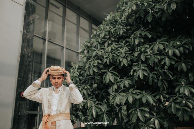 The Wedding Of Fara & Alief by alienco photography - 012