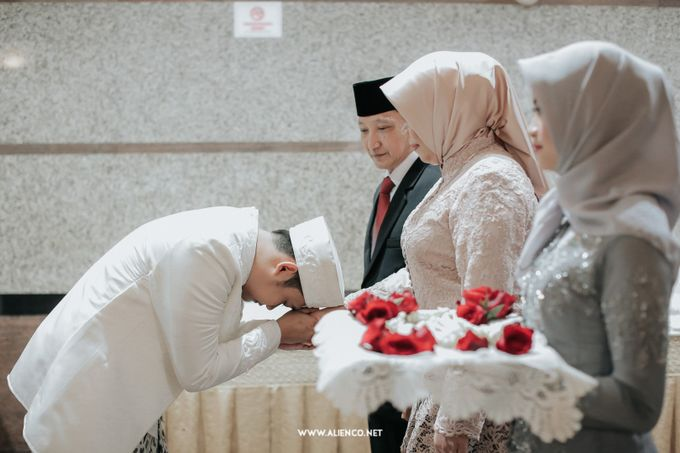 The Wedding Of Shella & Lutfi by alienco photography - 011