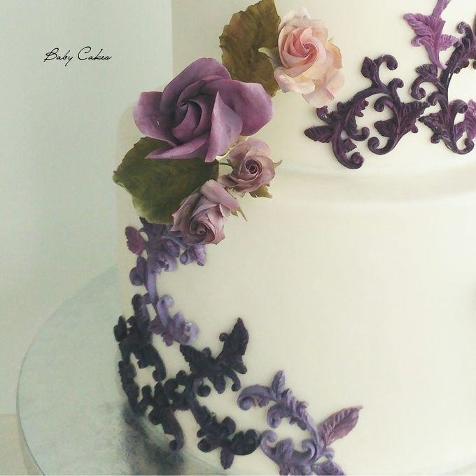 Single tier and multi tiered cakes by Baby Cakes - 036