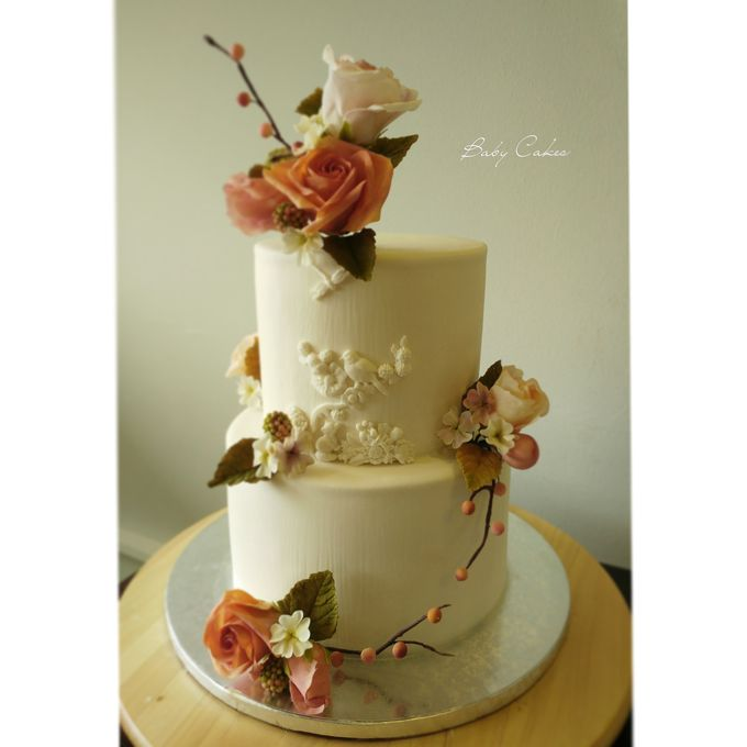 Single tier and multi tiered cakes by Baby Cakes - 033