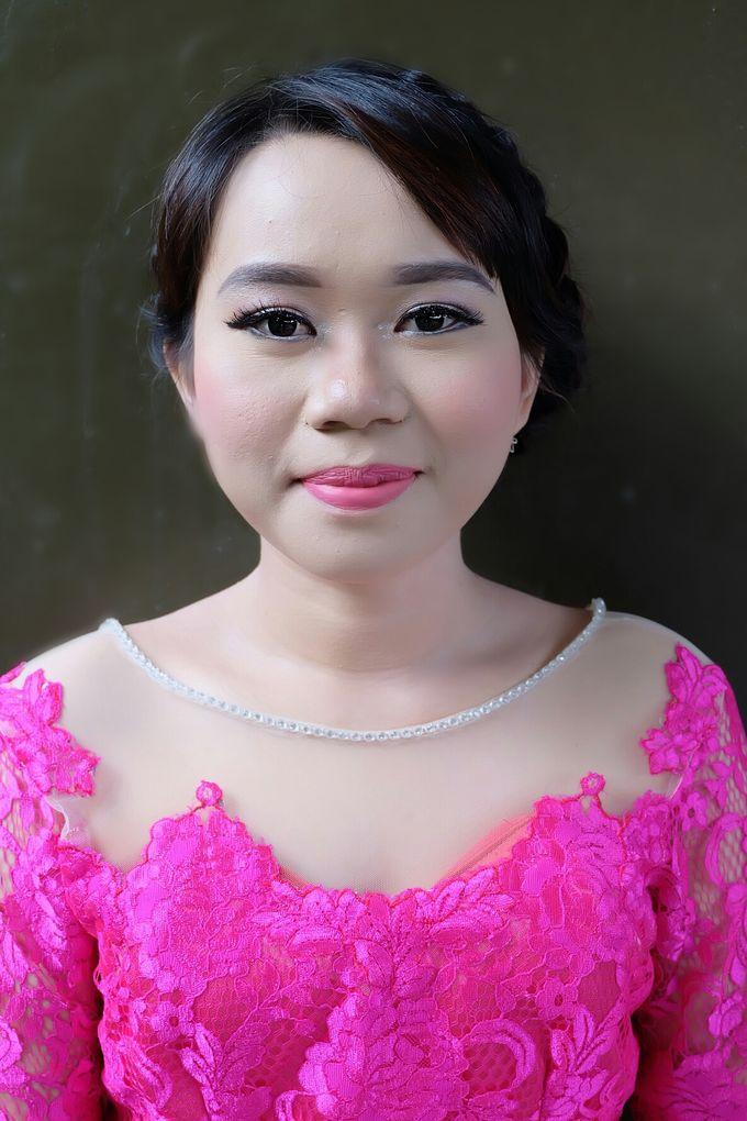 Graduation makeup by VidJei Makeup - 048
