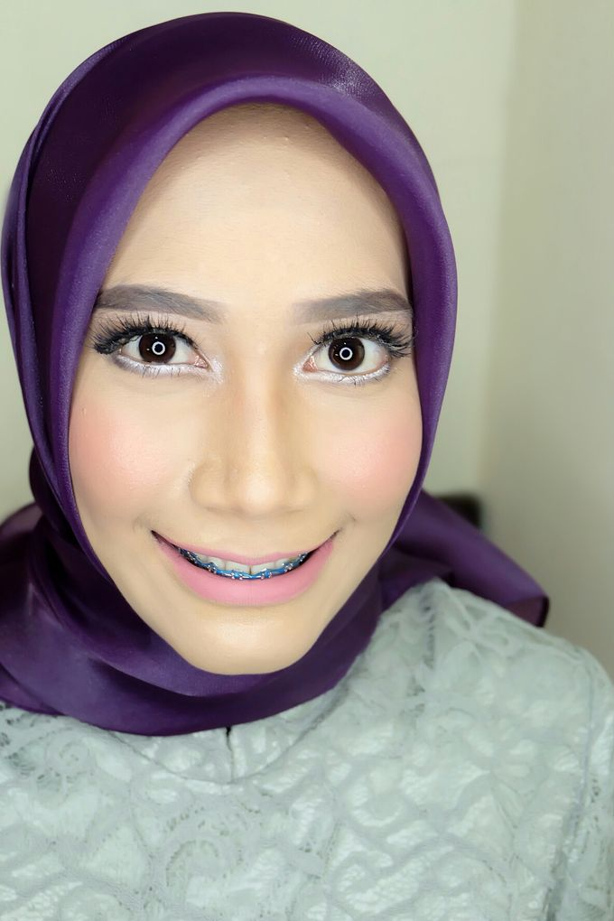 Graduation makeup by VidJei Makeup - 047