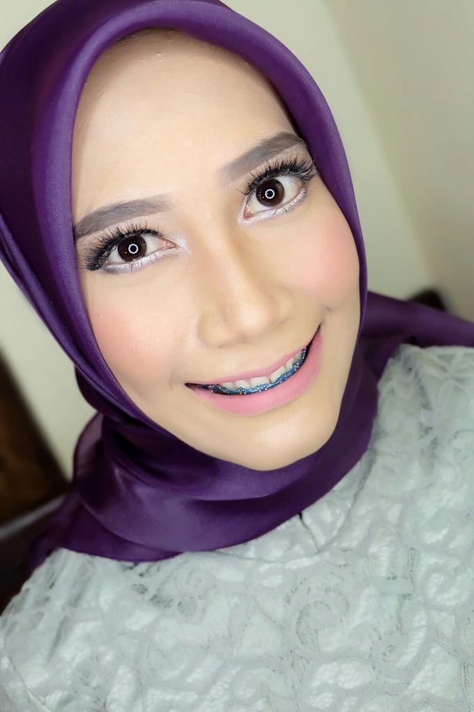 Graduation makeup by VidJei Makeup - 019