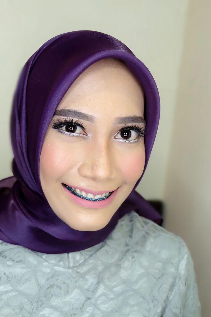 Graduation makeup by VidJei Makeup - 045