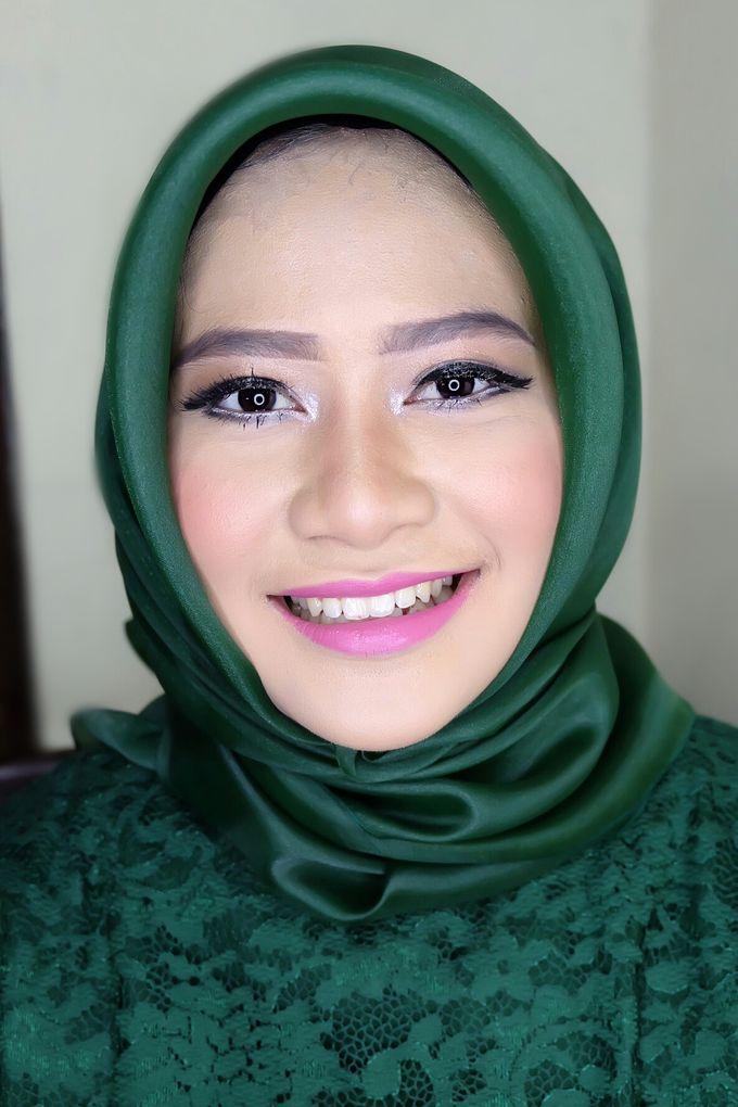 Graduation makeup by VidJei Makeup - 043
