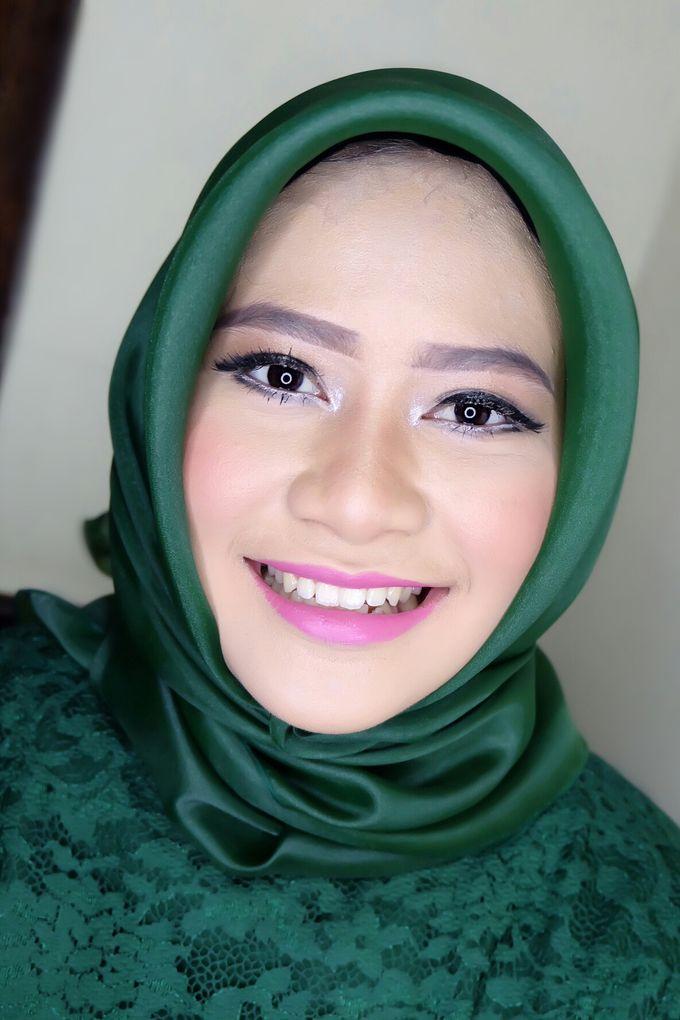 Graduation makeup by VidJei Makeup - 042