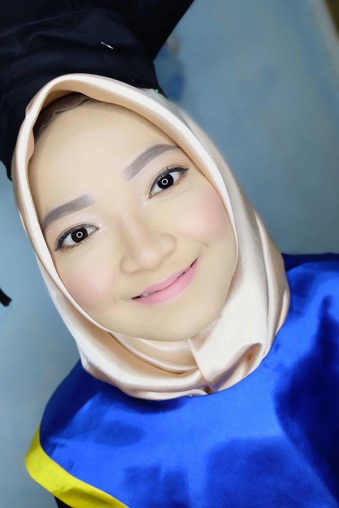 Graduation makeup by VidJei Makeup - 040